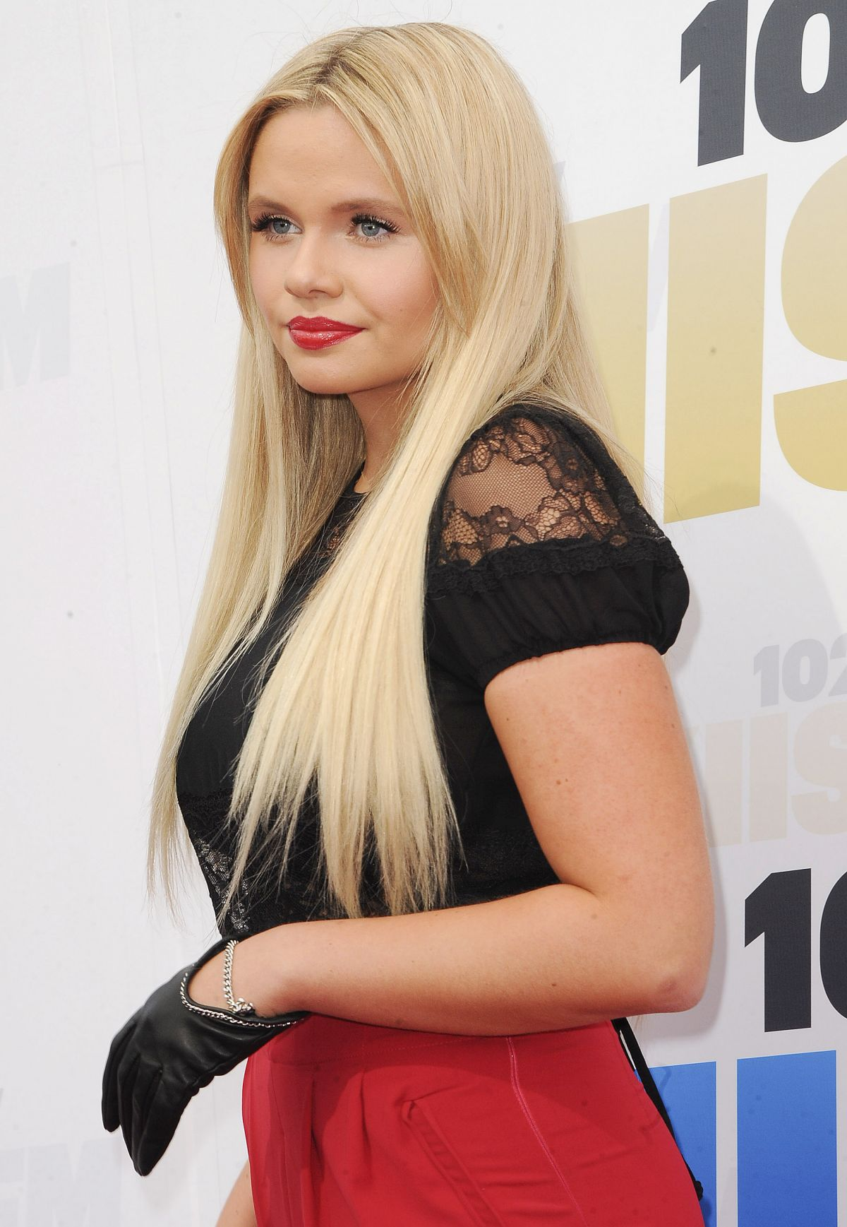 Alli Simpson Nude Photos 71