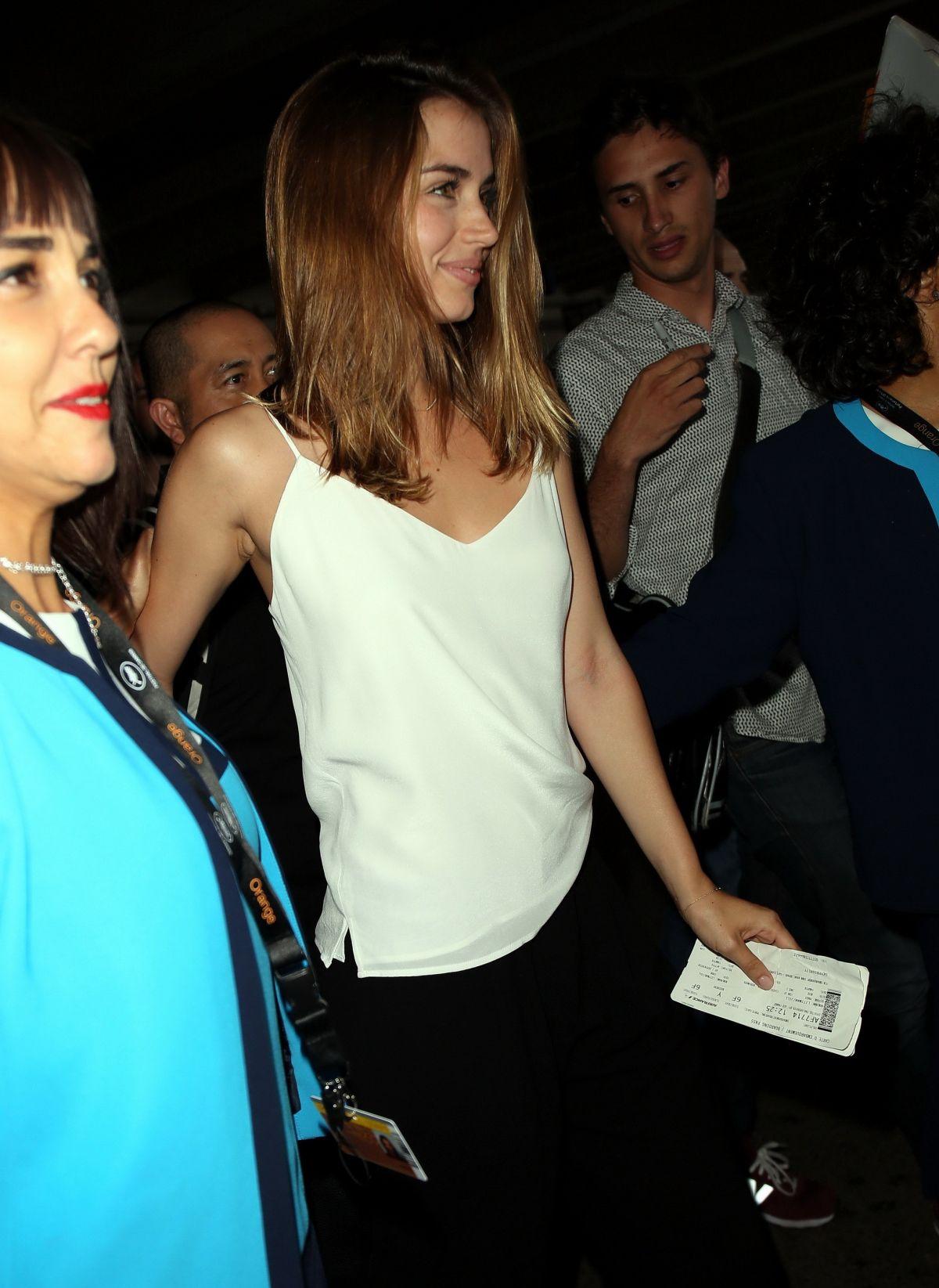 ANA DE ARMAS Shopping at The Grove in Hollywood 08/14/2017 ...
