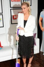 ASHLEE SIMPSON at Swiffer & Mr. Clean Event in new York 05/17/2016