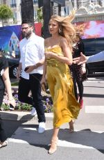 BLAKE LIVELY Out Heading to Nikki Beach in Canne s05/12/2016