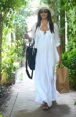 CAMILA ALVES Shoping at Chloe Boutique on Melrose Place 05/09/2016