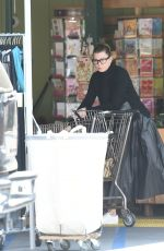 ELLEN POMPEO Shopping at Whole Foods Market in Los Angeles 05/09/2016