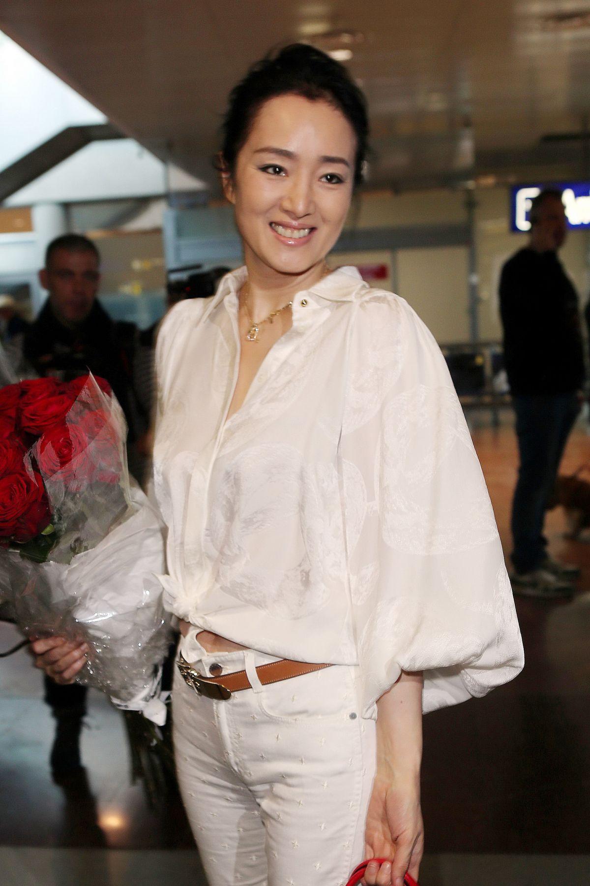 GONG LI at Nice Airpor... Vanessa Paradis Facebook