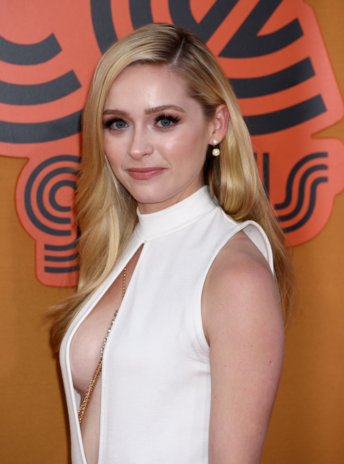 Greer Grammer At The Nice Guys Premiere In Hollywood 05