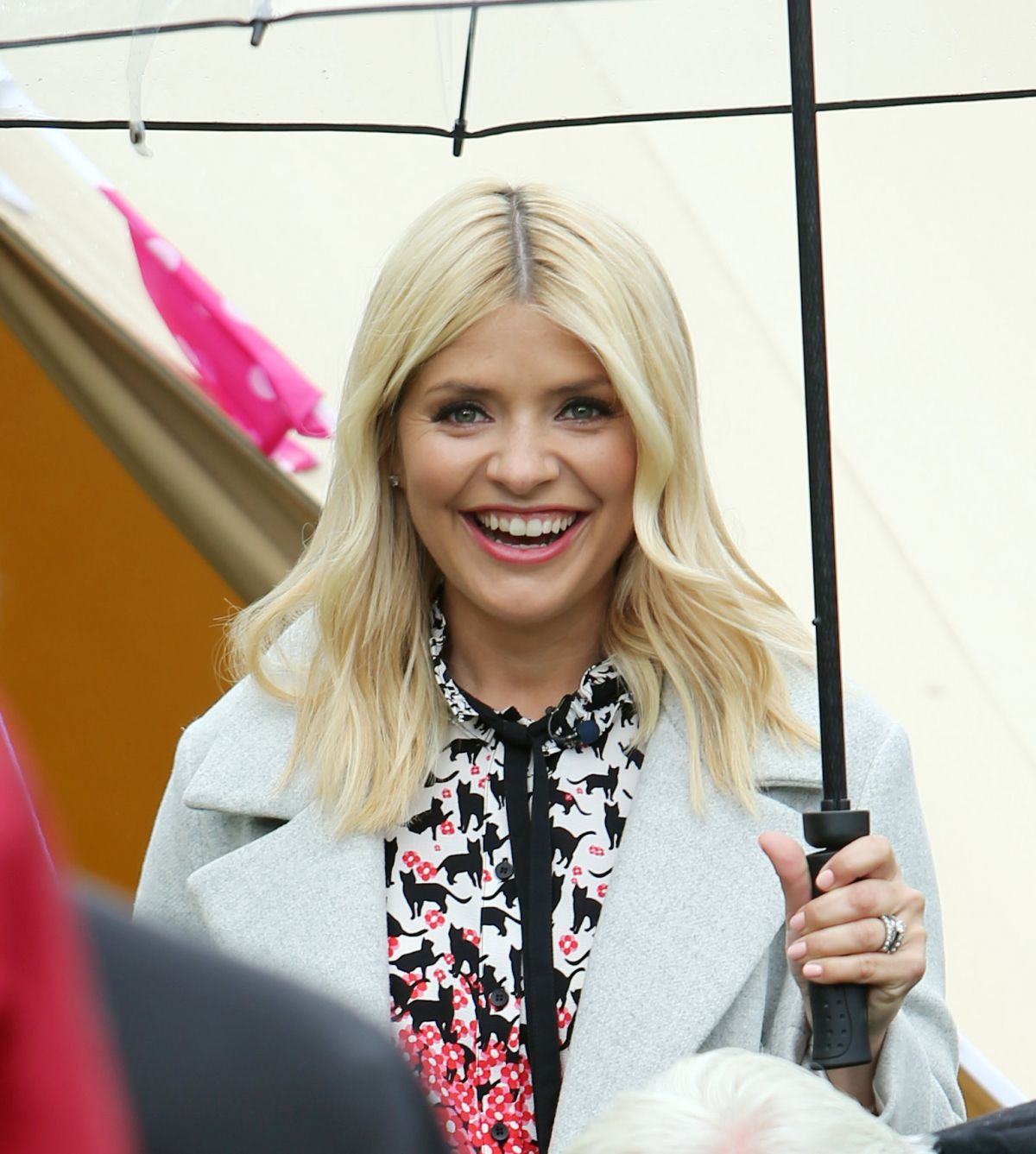 holly willoughby filming on the south bank in london 0511