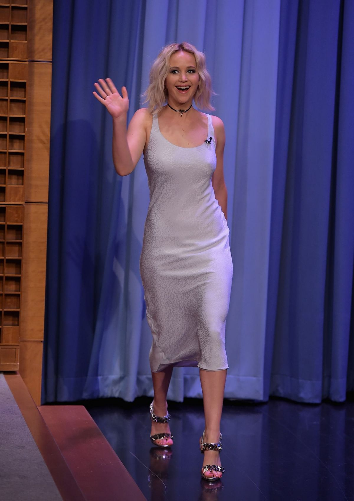 Jennifer lawrence at tonight show with jimmy fallon in new for Where do models live in nyc