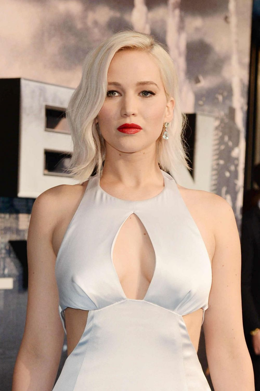 Jennifer Lawrence At X Men Apocalypse Premiere In