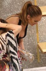 JENNIFER LOPEZ Shopping in Miami 05/03/2016