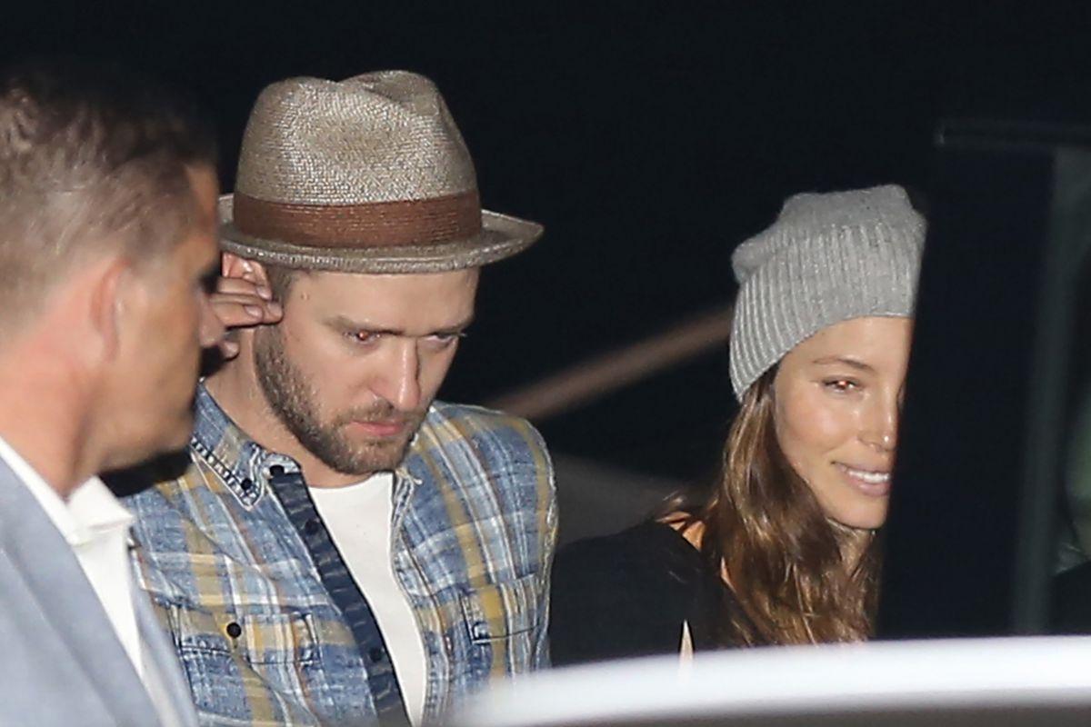 JESSICA BIEL and Justin Timberlake Leaves a Nobu Restauant in Malibu 04/30/2016