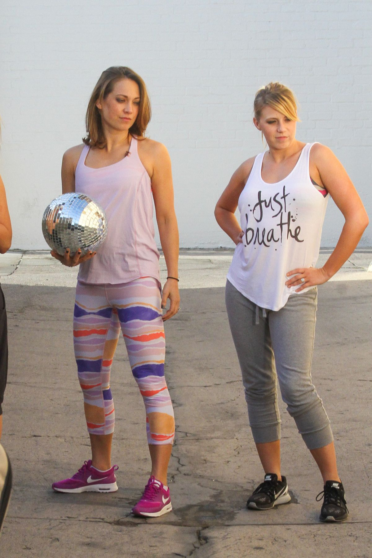 JODIE SWEETIN, PAIGE VANZANT GINGER ZEE and KIM FIELDS Films a Scene for DWTS Team Dance 04/29 ...
