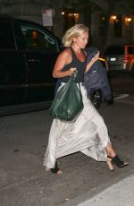 KELLY RIPA Arrives at Her Home in New York 04/25/2016