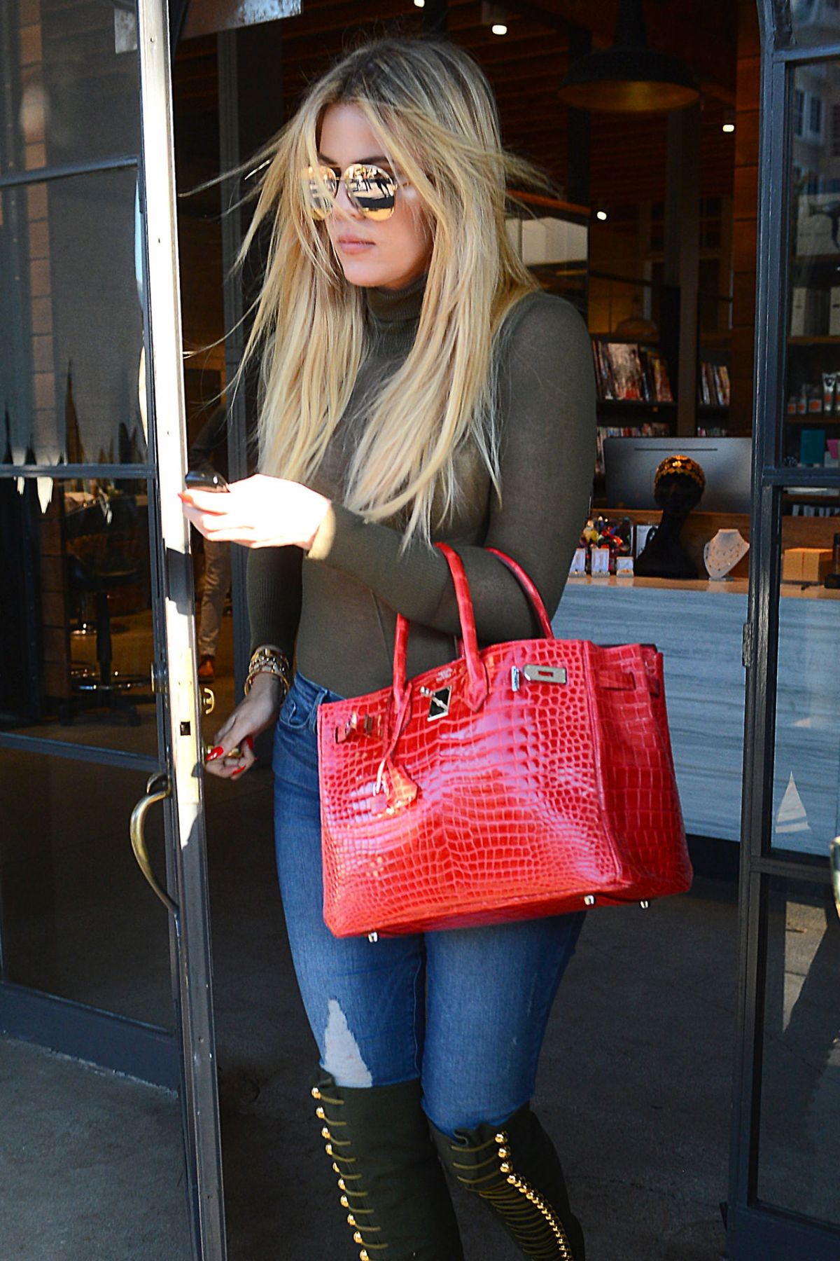 KHLOE KARDASHIAN Out ana About in Beverly Hills 05/09/2016