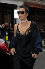 KIM KARDASHIAN Out for Lunch at