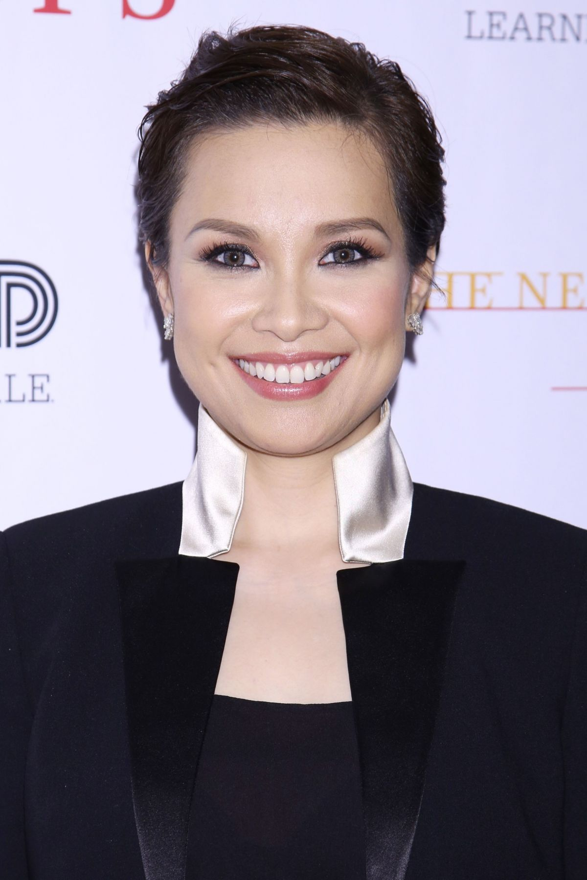 "lea salonga Broadway star lea salonga gave some advice to senator sherwin ""win"" gatchalian, who recently had a twitter meltdown after being criticized by netizens."