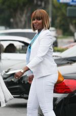 MARY J. BLIGE Shopping at Bristol Farms in Beverly Hills 05/13/2016