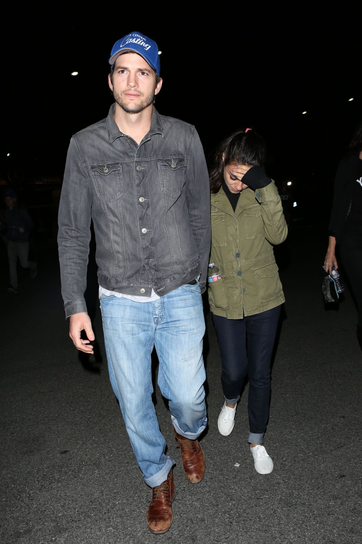 MILA KUNIS and Ashton Kutcher Arrives at Rose Bowl in Pasadena 05/14 ... Ashton Kutcher