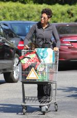 NICOLE MURPHY Leaves Bristol Farms Grocery in West Hollywood 05/02/2016