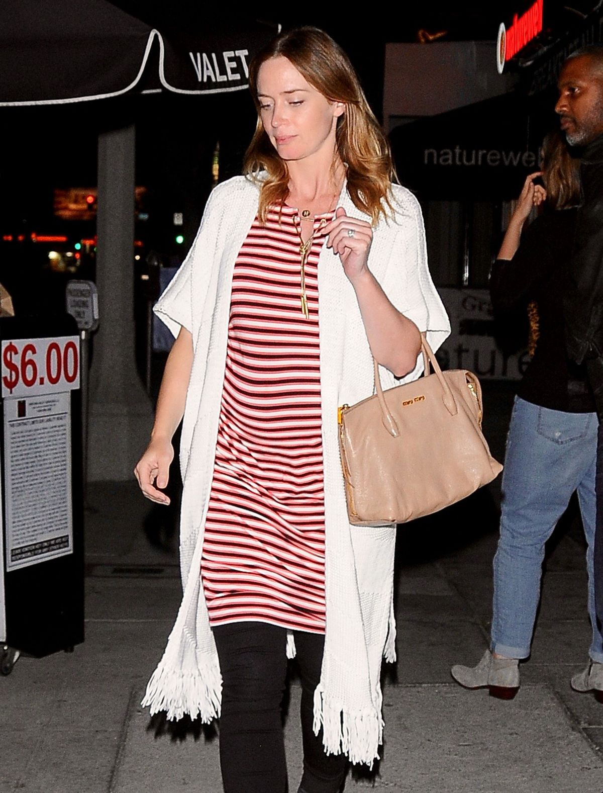 Pregnant EMILY BLUNT and John Krasinski out to Dinner in Studio City 05/24/2016