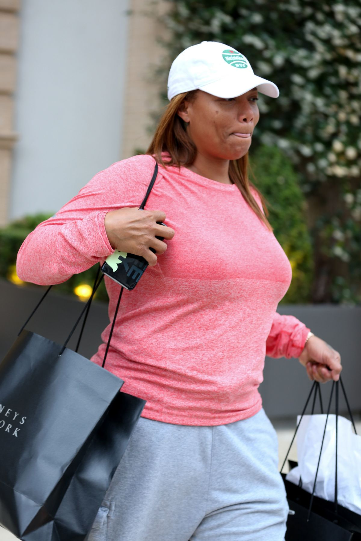 QUEEN LATIFAH Shopping at Barney
