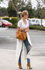 ROSIE HUNTINGTON-WHITELEY Arrives at a Studio in Los Angeles 05/04/2016