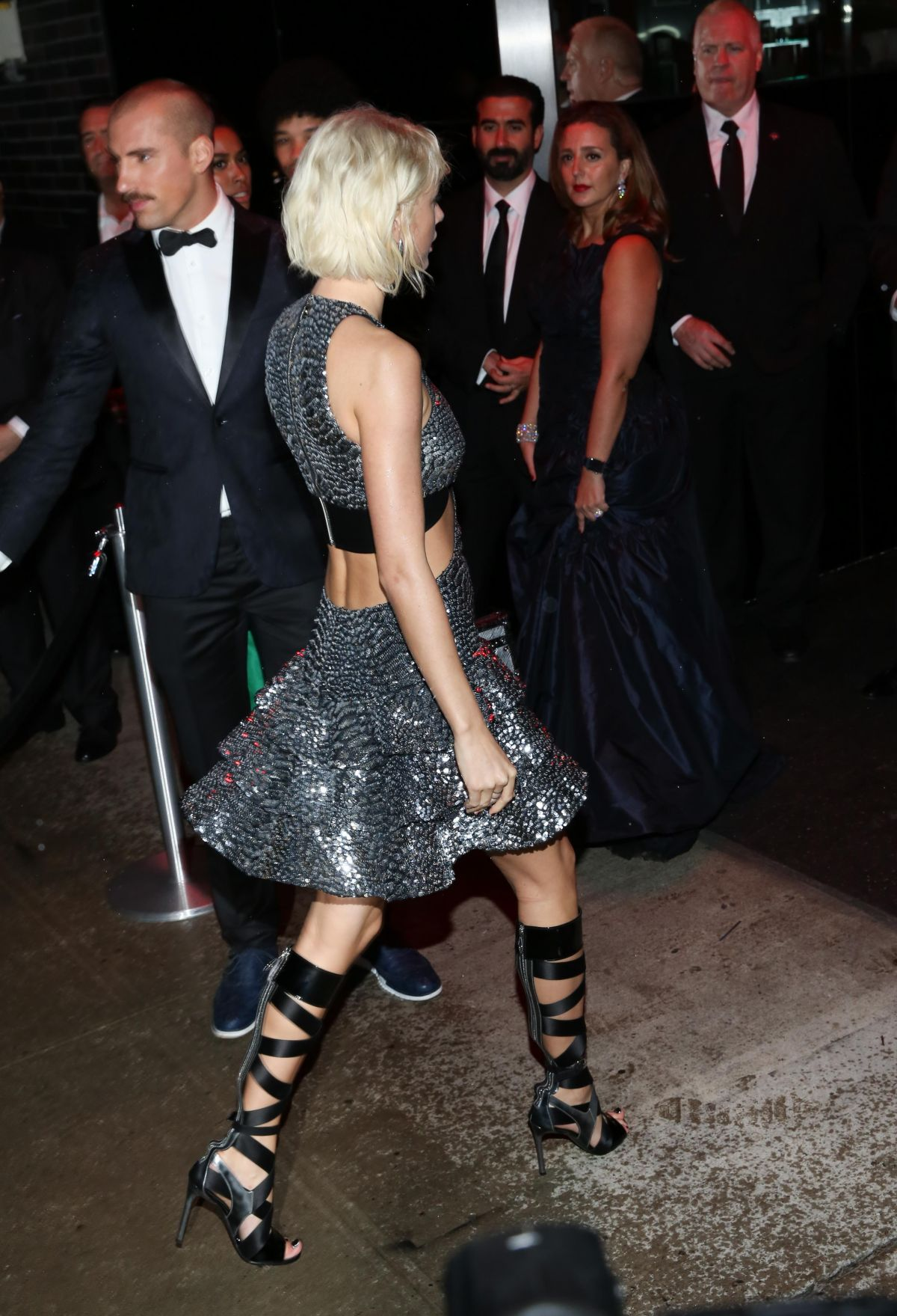 Taylor Swift Leaves Met Gala After Party In New York 05 02 2016 Hawtcelebs