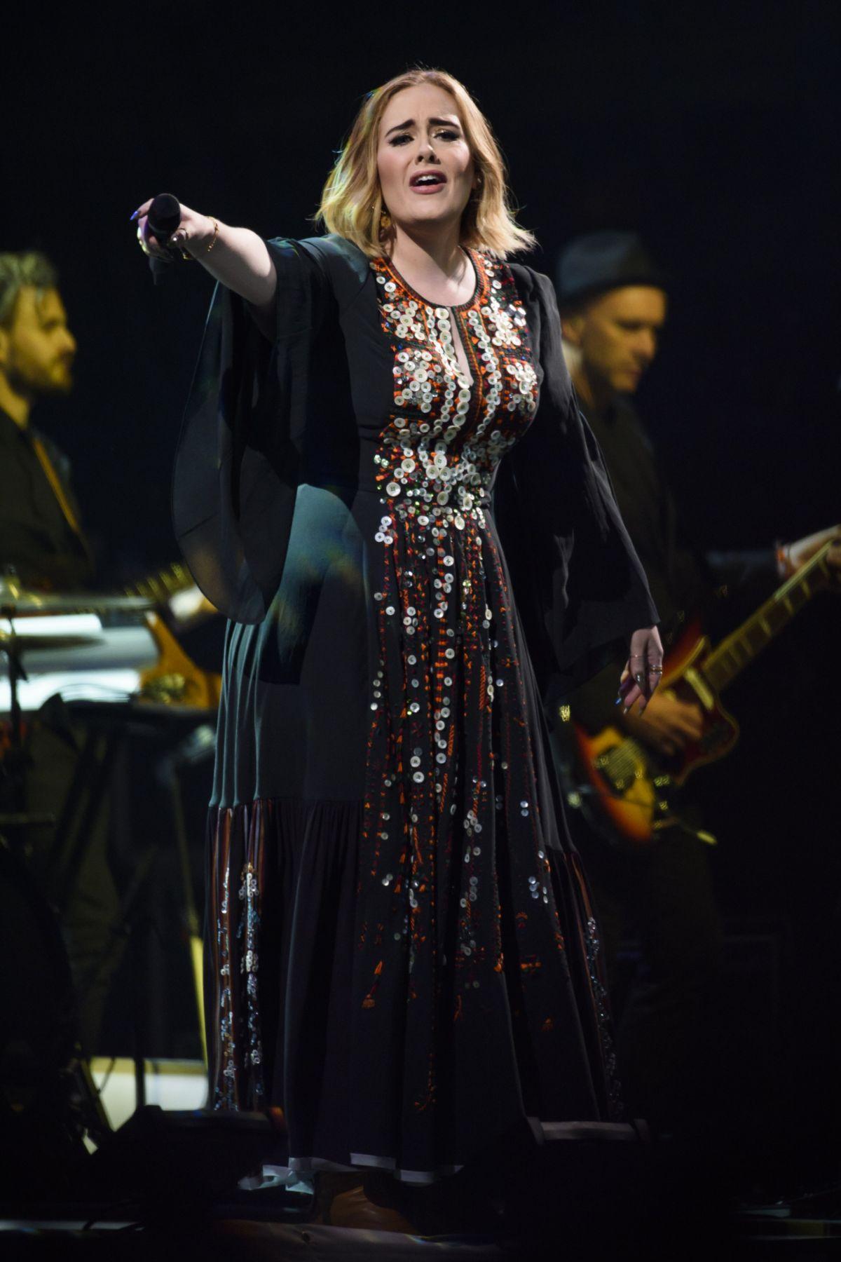 Adele Tour: 25 Singer Announces European Live Shows For