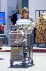 AMY POEHLER Shopping at Bristol Farm in Beverly Hills 06/05/2016