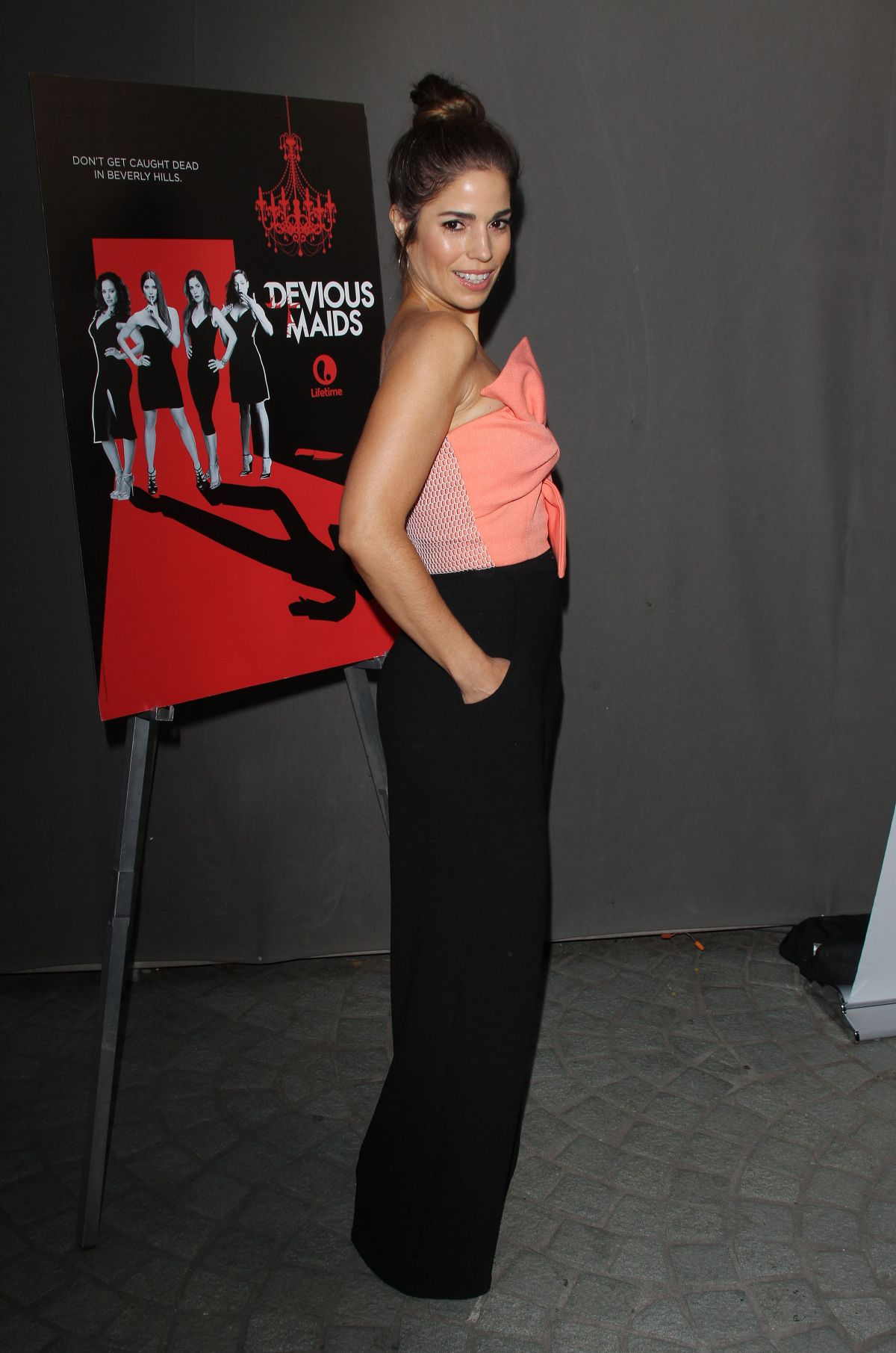 Ana Ortiz Pictures ana-ortiz-at-devious-maids-season-4-premiere-in-los-angeles