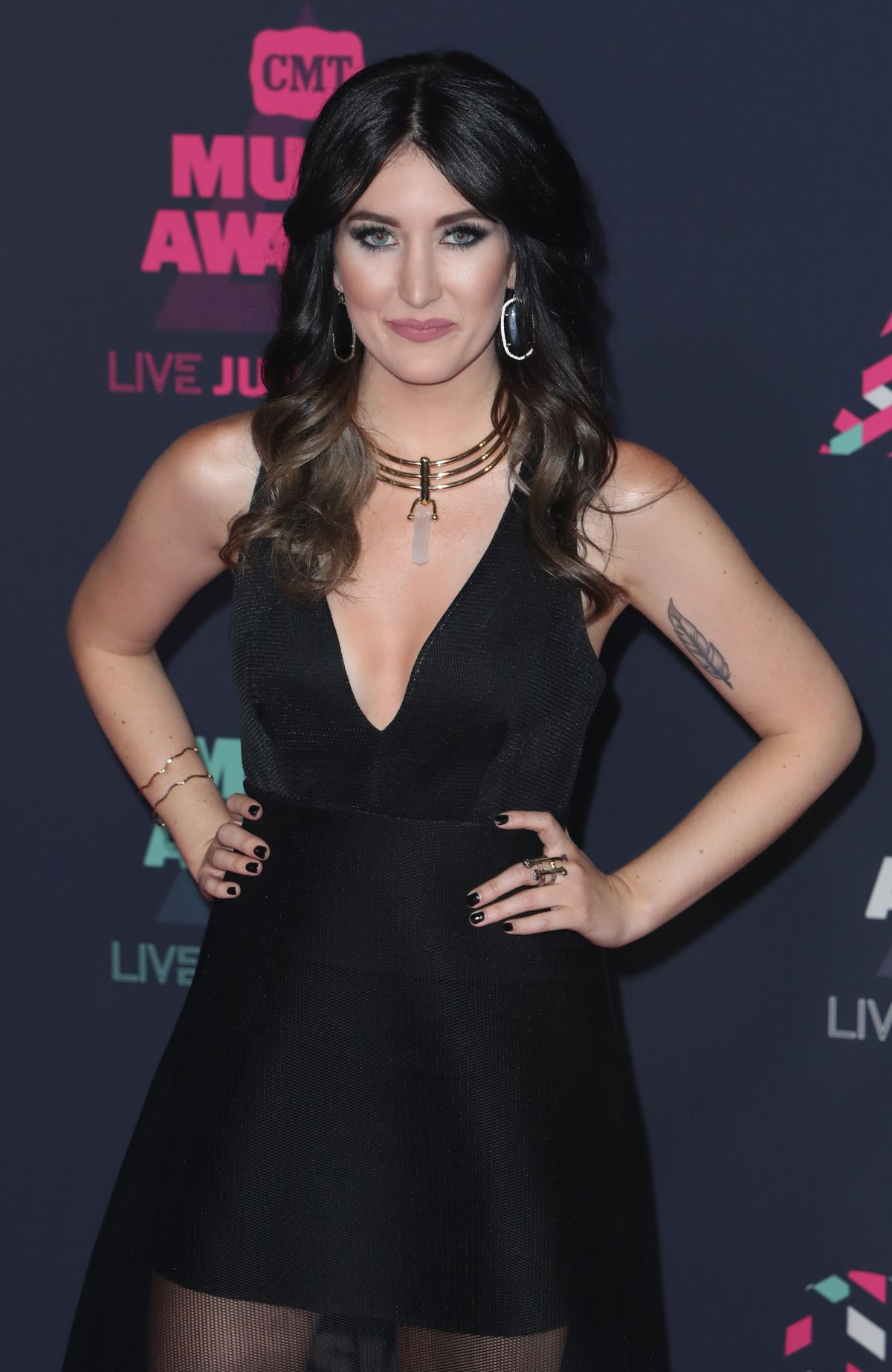 AUBRIE SELLERS at 2016 CMT Music Awards in Nashville 06/08/2016