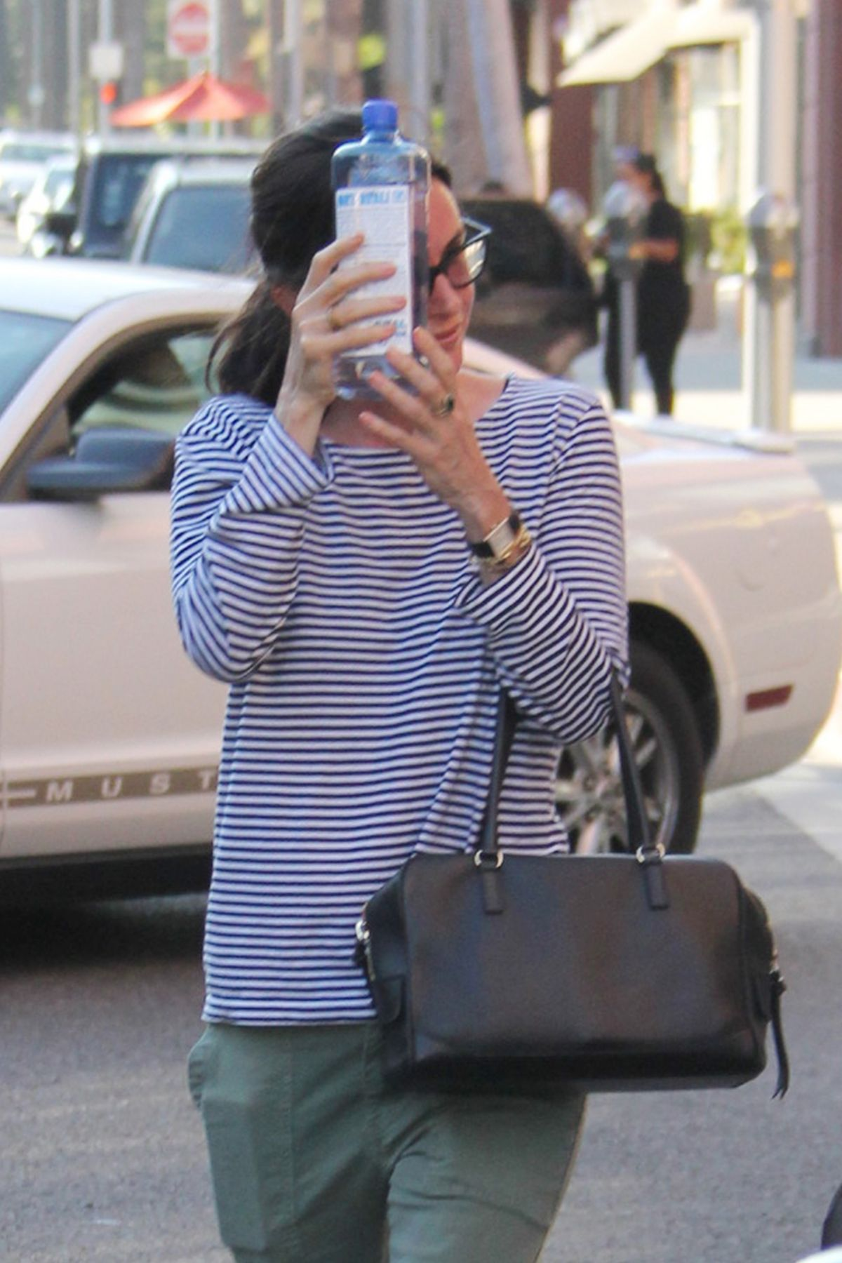 COURTENEY COS Leaves a Doctors Office in Beverly Hills 06/06/2016