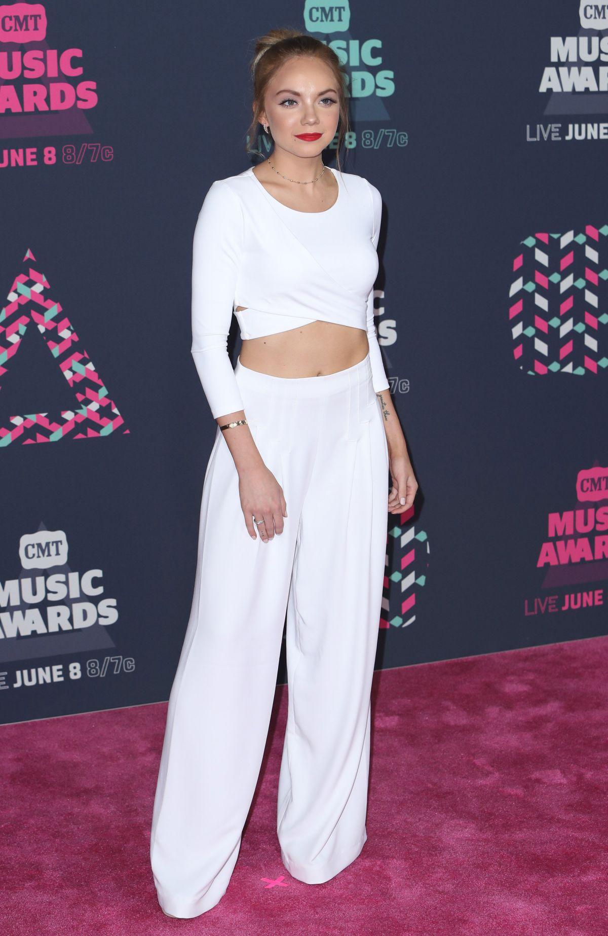DANIELLE BRADBERY at 2016 CMT Music Awards in Nashville 06/08/2016