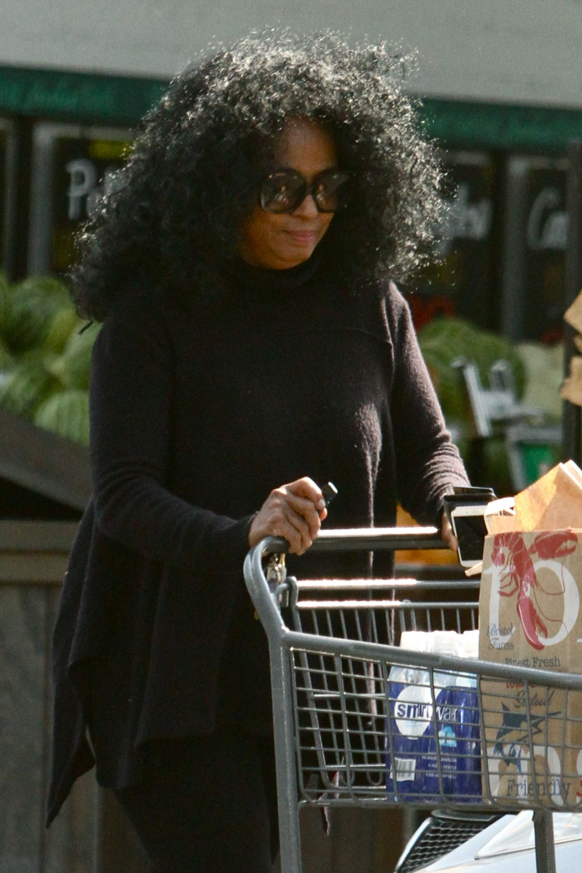 DIANA ROSS at Bristol Farms in Beverly Hills 05/31/2016