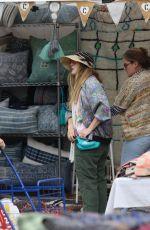 DREW BARRYMORE Shopping at Rose Bowl Flea Market in Pasadena 06/12/2016
