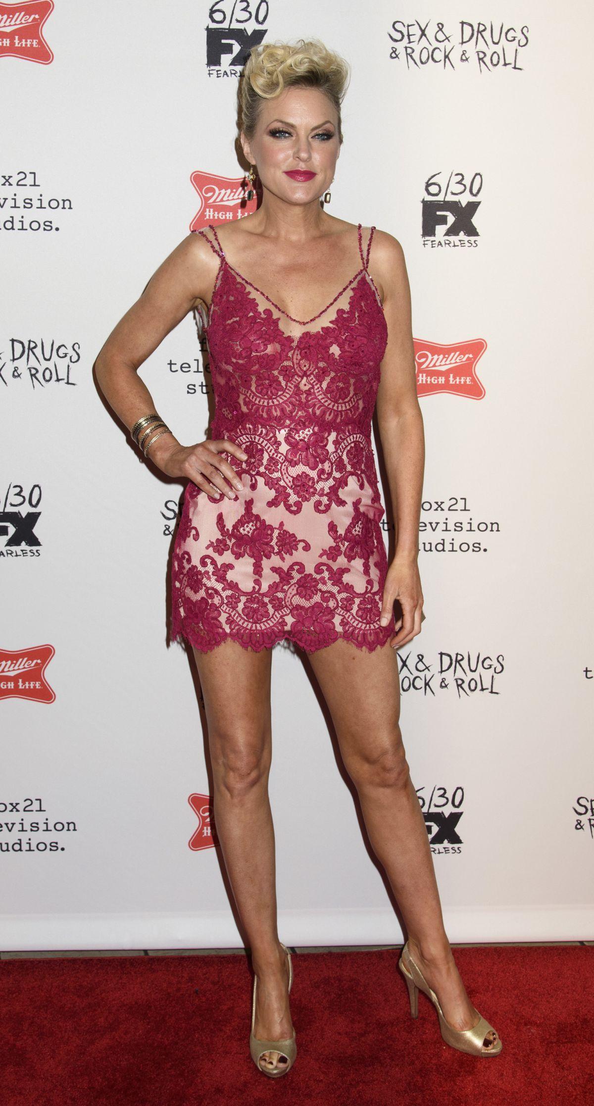 ELAINE HENDRIX at Sex & Drugs & Rock & Roll Season 2 ...Elaine Hendrix Legs