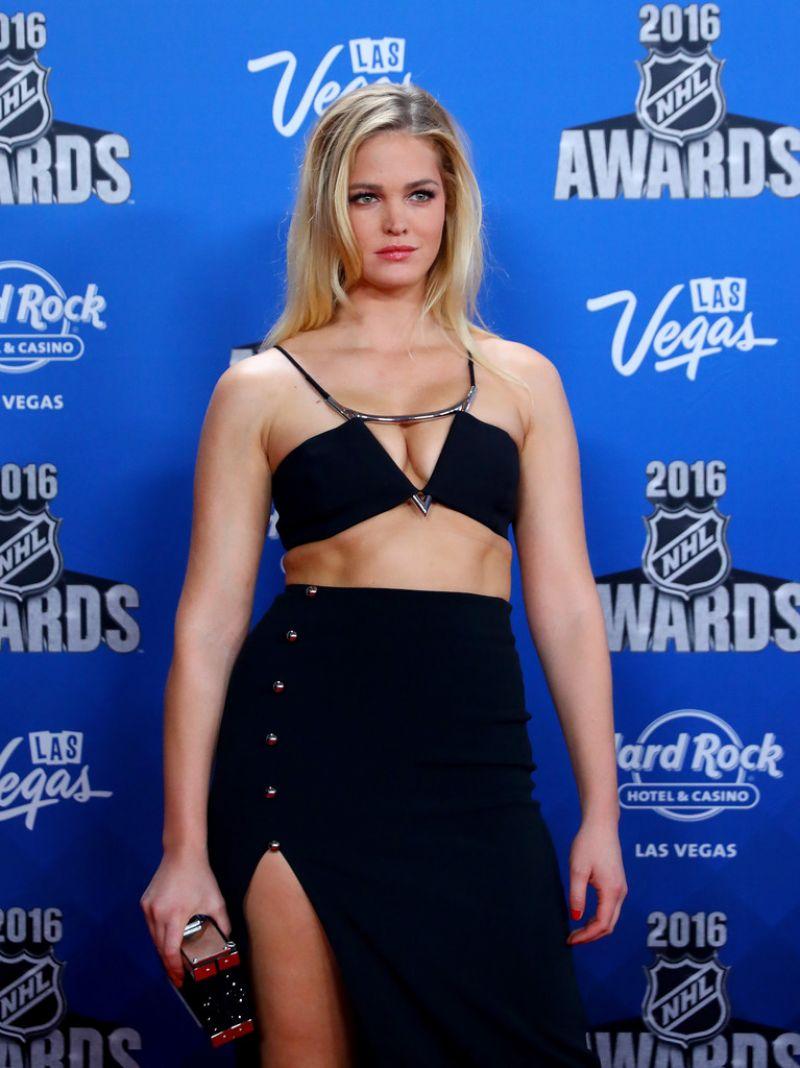 ERIN HEATHERTON at 2016 NHL Awards in Las Vegas 06/22/2016