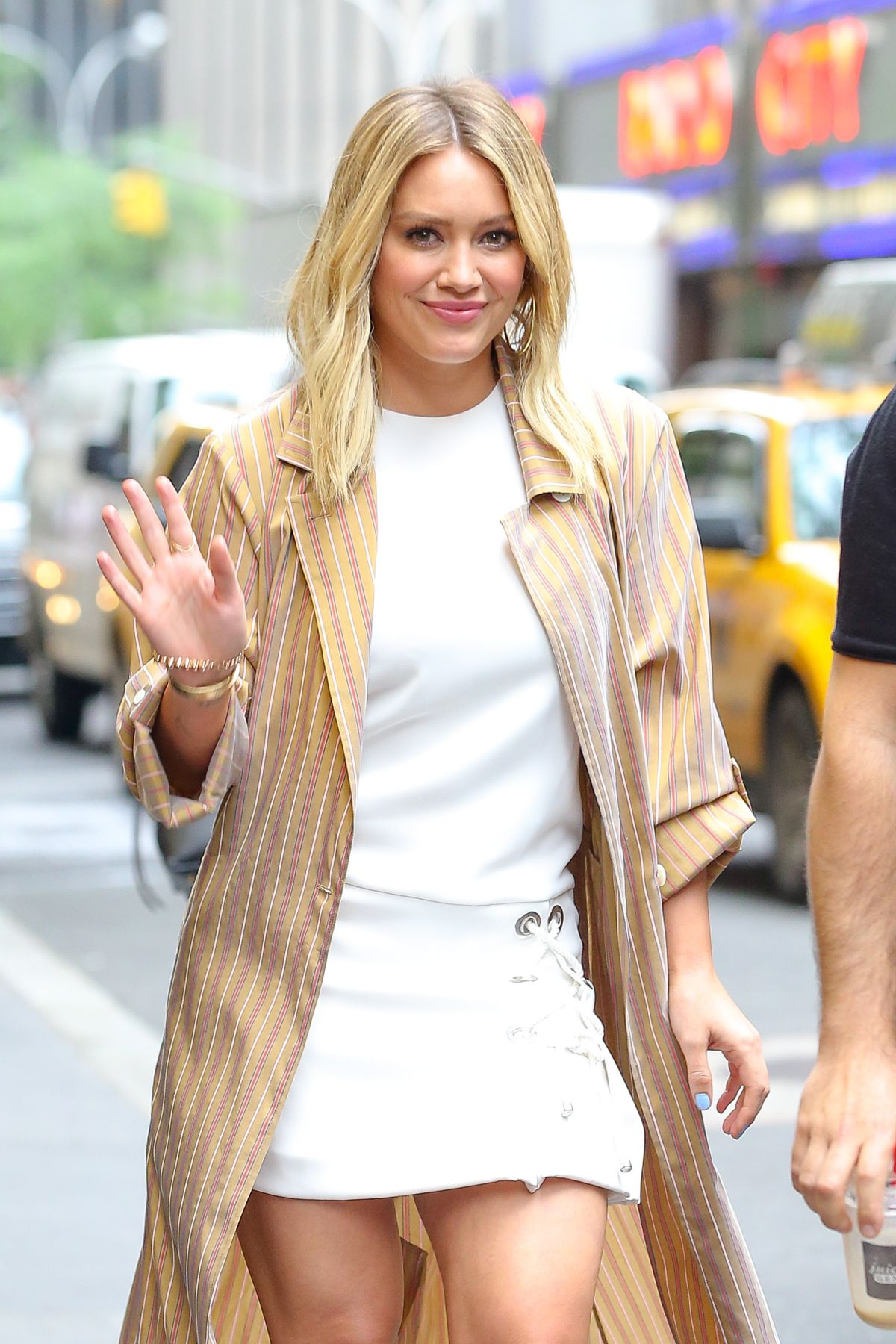 HILARY DUFF Out in New York 06/23/2016 - HawtCelebs