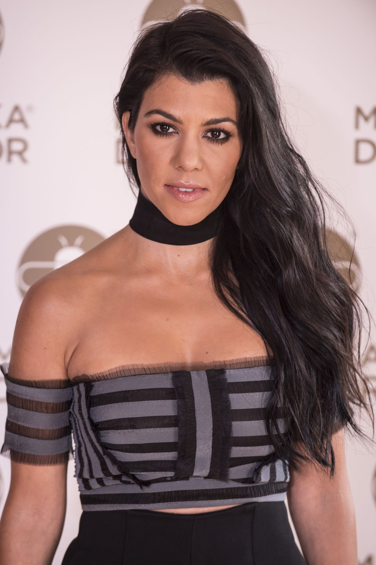 Kourtney Kardashian Unfollows Boyfriend and Deletes