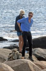 TAYLOR SWIFT and Tom Hiddleston at the Beach in Rhode Island 06/14/2016