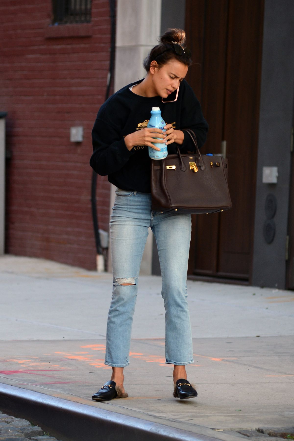 irina shayk in jeans out in new york 06092016 hawtcelebs