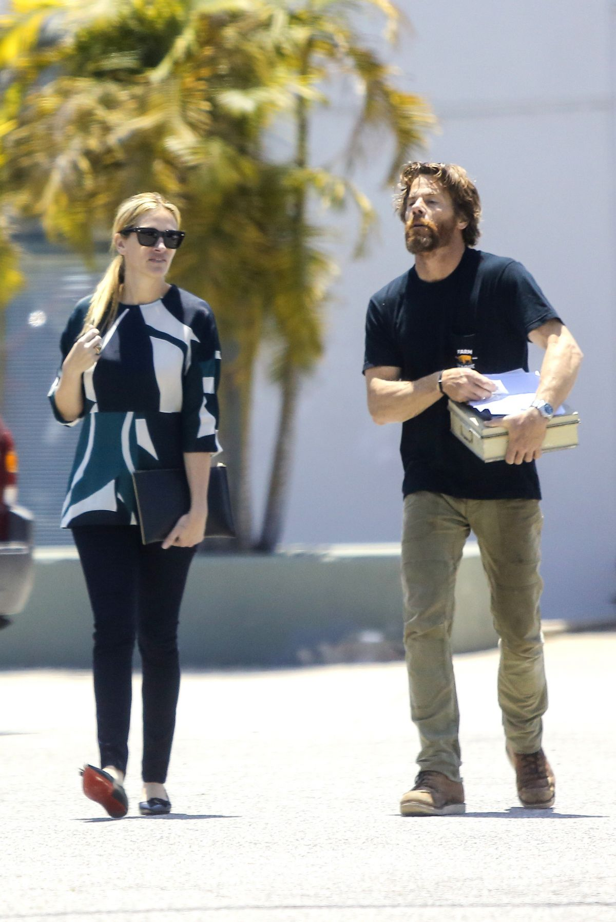JULIA ROBERTS Out for Furniture Shopping at Cleo in Brentwood 06