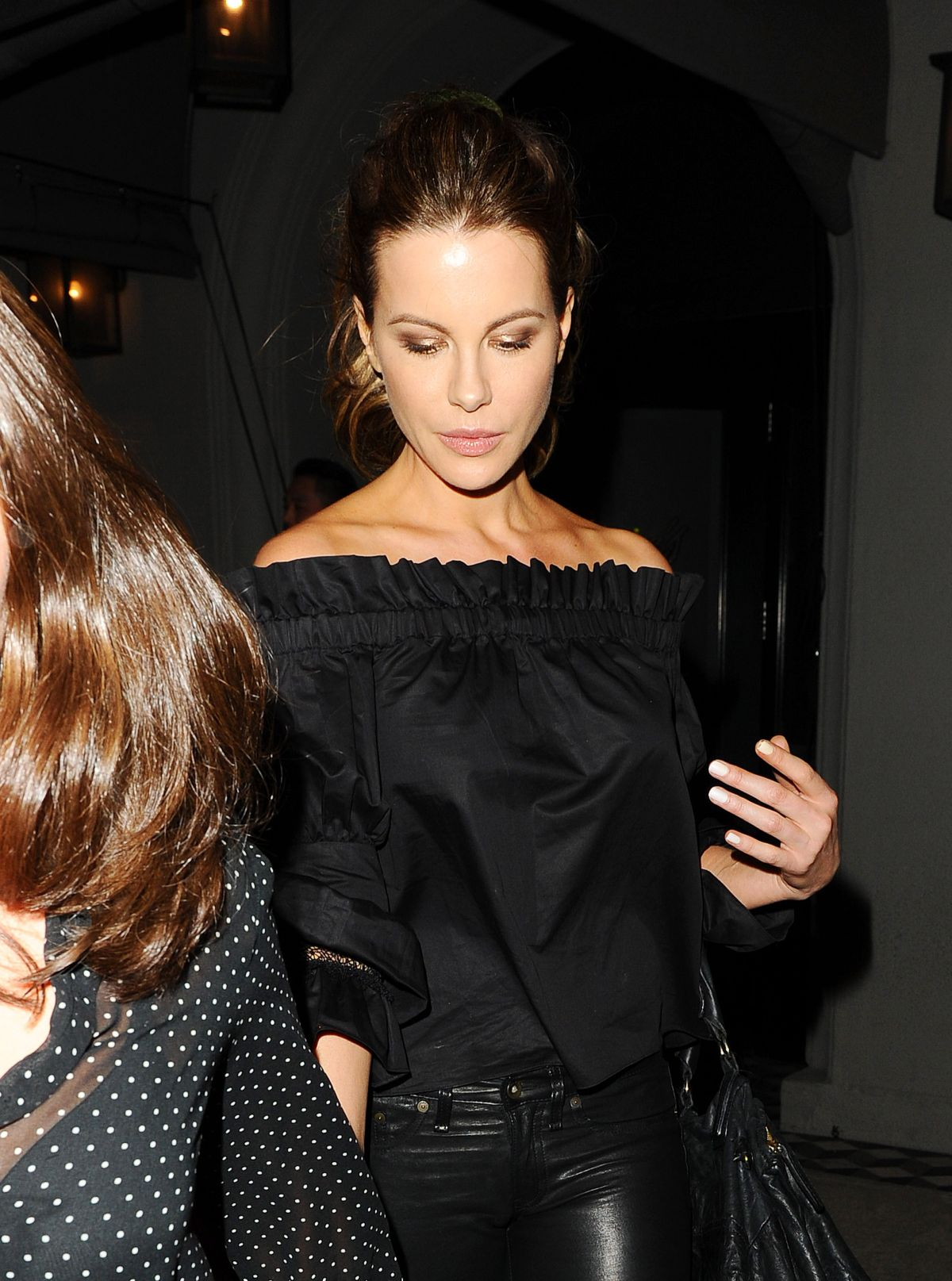 Kate beckinsale at craigs restaurant in hollywood nude (84 image)