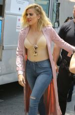 KHLOE KARDASHIAN Giving Out Ice Cream in Los Angeles 06/08/2016