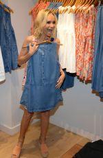 KRISTIN CHENOWETH Shopping in New York 06/22/2016