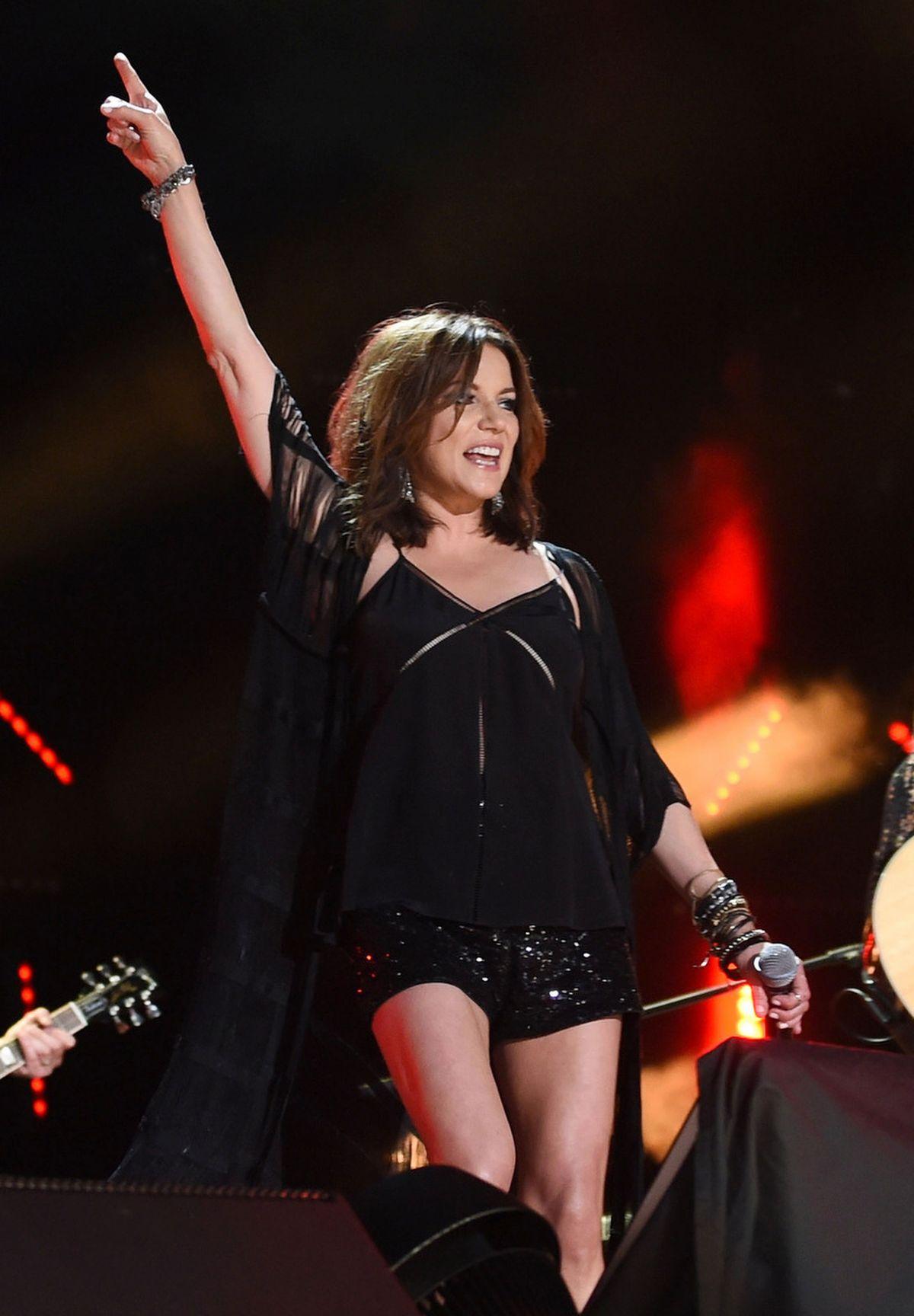 MARTINA MCBRIDE Performs at 2016 CMA Music Festival in Nashville 06/11/2016