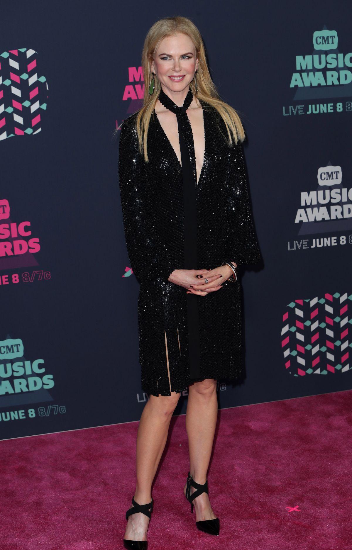 NICOLE KIDMAN at 2016 CMT Music Awards in Nashville 06/08/2016