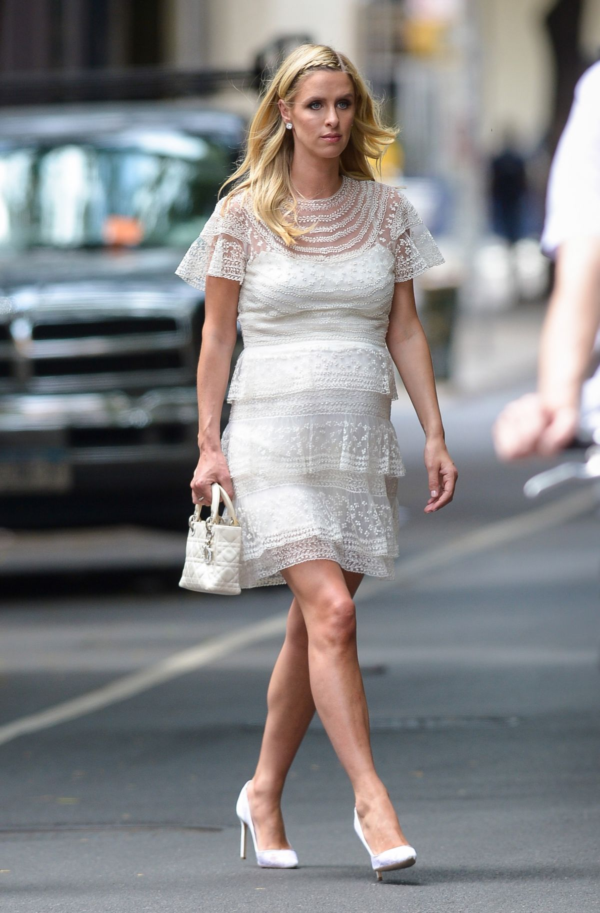ac5b0ea36 Pregnant NICKY HILTON Out in New York 06 01 2016 - HawtCelebs