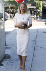 GEBEVIEVE MORTON Leaves Alfred Coffee & Kitchen in West Hollywood 07/21/2016