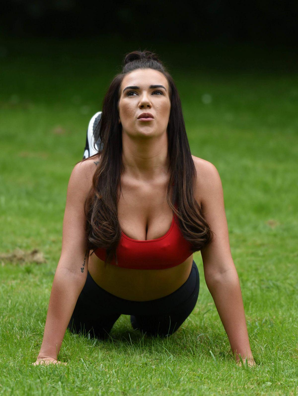 Paparazzi Imogen Townley nudes (18 photo), Sexy, Bikini, Feet, swimsuit 2015