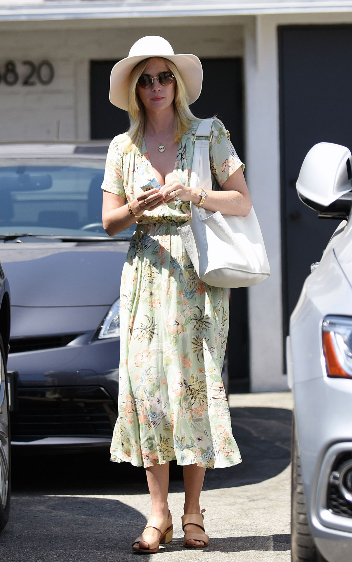 JANUARY JONES Out and About in Los Angeles 07/07/2016