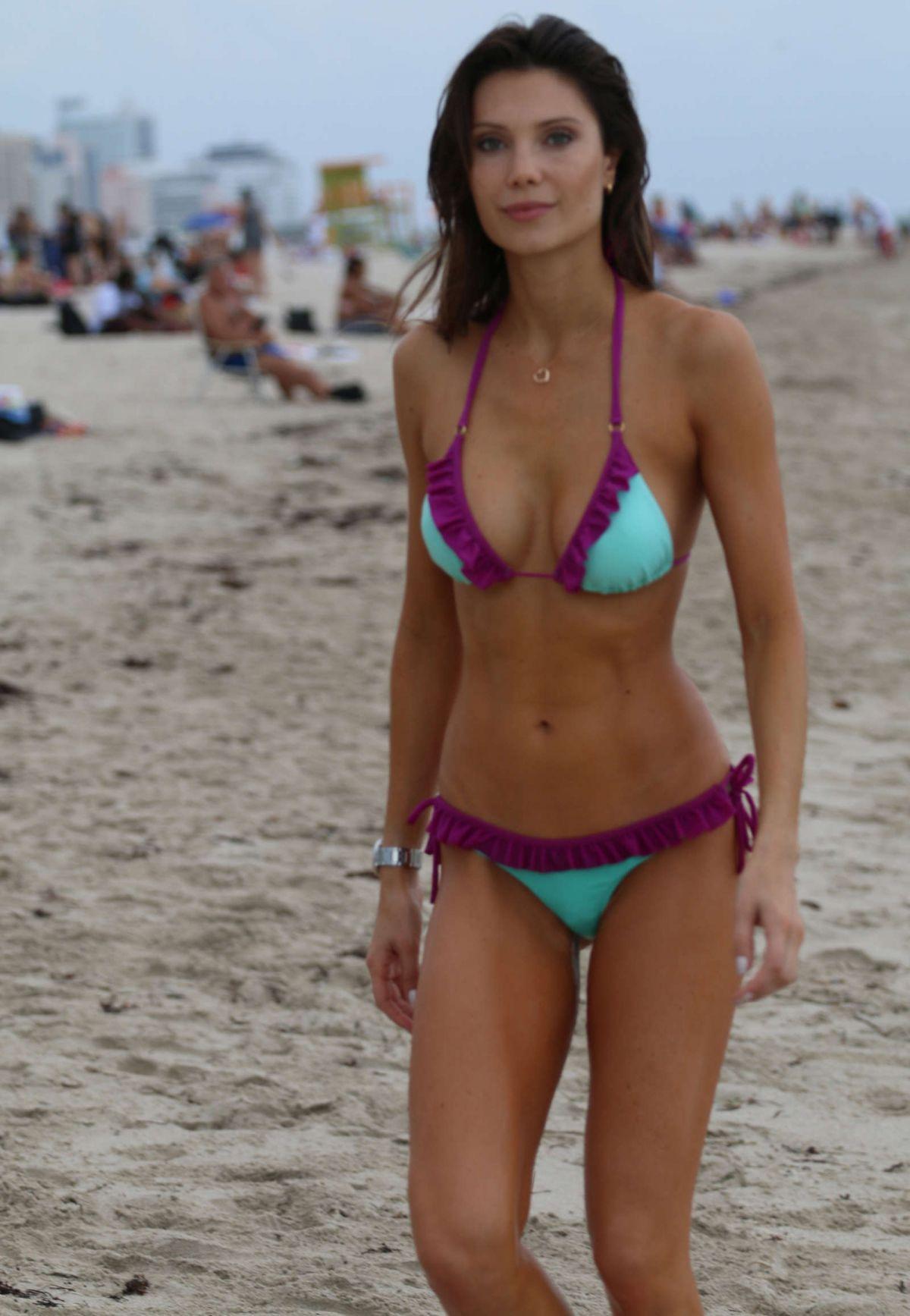 Julia Pereira nude 455
